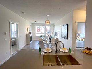 """Photo 4: 201 717 CHESTERFIELD Avenue in North Vancouver: Central Lonsdale Condo for sale in """"The Residences at Queen Mary by Polygon"""" : MLS®# R2491071"""