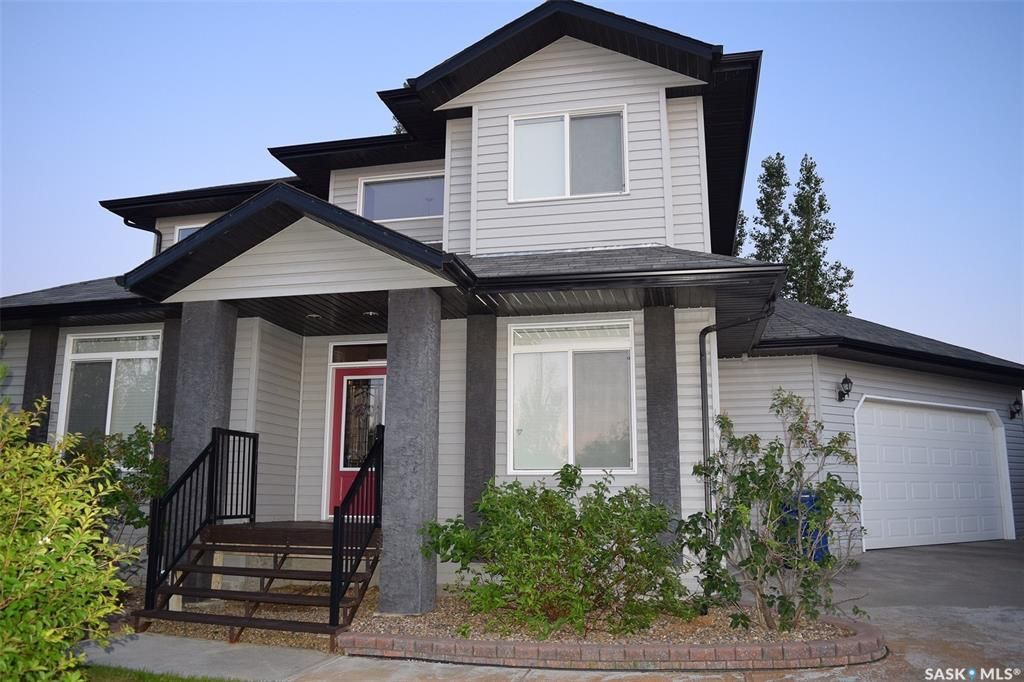 Main Photo: 421 38th Street in Battleford: Residential for sale : MLS®# SK850247