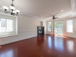 Photo 9: 10 WARWICK Avenue in Burnaby: Capitol Hill BN House for sale (Burnaby North)  : MLS®# R2603486