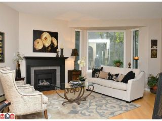 Photo 2: 306 15300 17TH Avenue in Surrey: King George Corridor Condo for sale (South Surrey White Rock)  : MLS®# F1224197