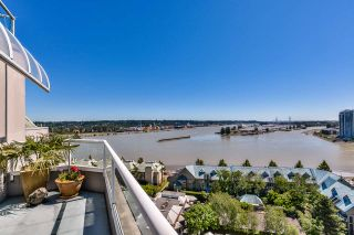 "Photo 2: 1704 1065 QUAYSIDE Drive in New Westminster: Quay Condo for sale in ""QUAYSIDE TOWER II"" : MLS®# R2181912"