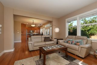 Photo 11: 4010 South Valley Dr in : SW Strawberry Vale House for sale (Saanich West)  : MLS®# 857679