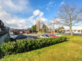 Photo 4: 250 E Island Hwy in PARKSVILLE: PQ Parksville Mixed Use for sale (Parksville/Qualicum)  : MLS®# 722524