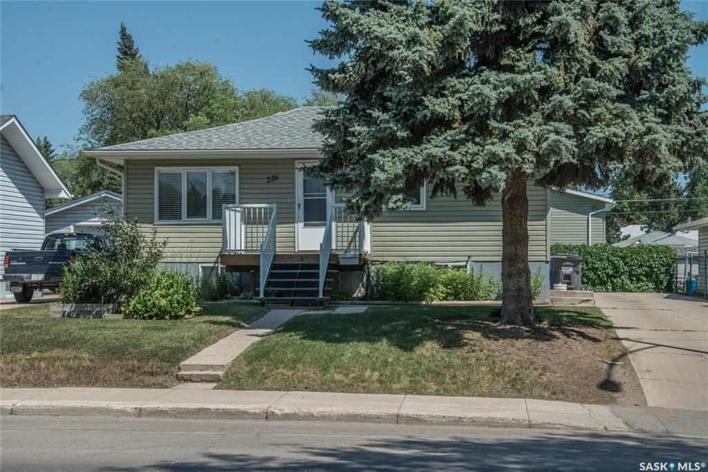 Main Photo: 226 W Avenue North in Saskatoon: Mount Royal SA Residential for sale : MLS®# SK862682