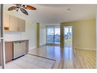 "Photo 5: 708 550 TAYLOR Street in Vancouver: Downtown VW Condo for sale in ""TAYLOR"" (Vancouver West)  : MLS®# R2536800"
