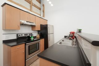 """Photo 7: 301 338 W 8TH Avenue in Vancouver: Mount Pleasant VW Condo for sale in """"LOFT 338"""" (Vancouver West)  : MLS®# R2615229"""