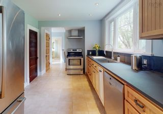 Photo 5: 29 Highland Avenue in Wolfville: 404-Kings County Residential for sale (Annapolis Valley)  : MLS®# 202122121