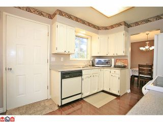 """Photo 2: 9971 125TH Street in Surrey: Cedar Hills House for sale in """"St. Helens"""" (North Surrey)  : MLS®# F1127438"""