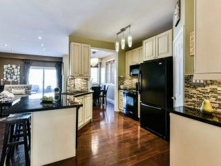 Photo 7: 2461 Felhaber Cres in Oakville: Iroquois Ridge North Freehold for sale : MLS®# W4071981