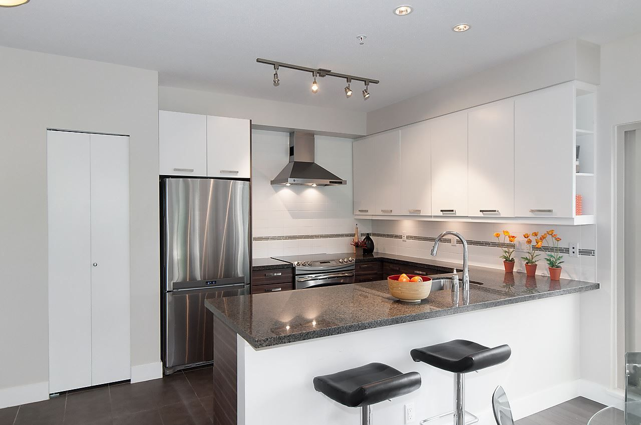 """Photo 7: Photos: 205 1273 MARINE Drive in North Vancouver: Norgate Condo for sale in """"THE IVY"""" : MLS®# R2116116"""