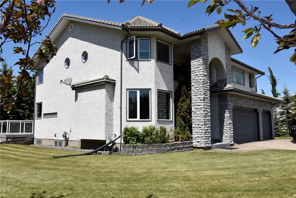 Main Photo: 1106 Gleneagles Drive: Carstairs Detached for sale : MLS®# C4301266