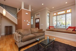 Photo 9: 2 209 Superior St in : Vi James Bay Row/Townhouse for sale (Victoria)  : MLS®# 869310