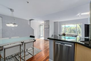 """Photo 8: 2738 CRANBERRY Drive in Vancouver: Kitsilano Townhouse for sale in """"ZYDECO"""" (Vancouver West)  : MLS®# R2073956"""