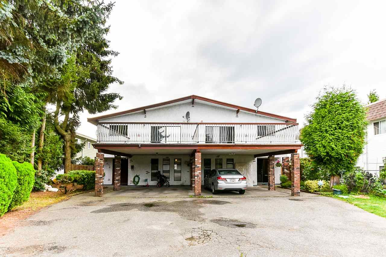 Main Photo: 6757 LAKEVIEW Avenue in Burnaby: Upper Deer Lake 1/2 Duplex for sale (Burnaby South)  : MLS®# R2501194