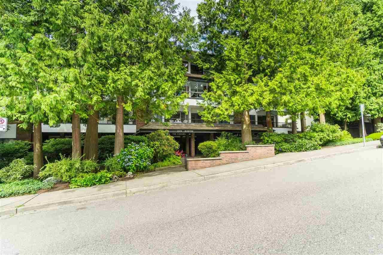 "Main Photo: 308 1319 MARTIN Street: White Rock Condo for sale in ""The Cedars"" (South Surrey White Rock)  : MLS®# R2473599"