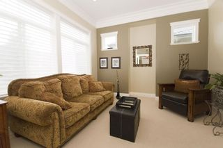 Photo 4: 3505 Promenade Cres in Victoria: Residential for sale : MLS®# 286554