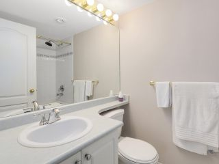 """Photo 13: 216 2559 PARKVIEW Lane in Port Coquitlam: Central Pt Coquitlam Condo for sale in """"THE CRESCENT"""" : MLS®# R2156465"""
