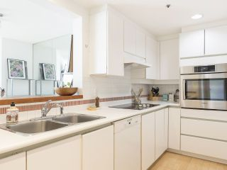 """Photo 20: 406 1551 MARINER Walk in Vancouver: False Creek Condo for sale in """"LAGOONS"""" (Vancouver West)  : MLS®# R2548149"""