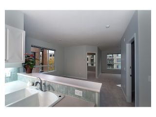 Photo 3: 303 2755 MAPLE Street in Vancouver: Kitsilano Condo for sale (Vancouver West)  : MLS®# V978385