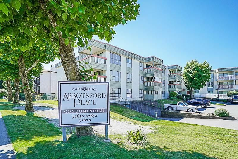 Main Photo: 319 32850 GEORGE FERGUSON Way in : Central Abbotsford Condo for sale (Abbotsford)  : MLS®# R2188821