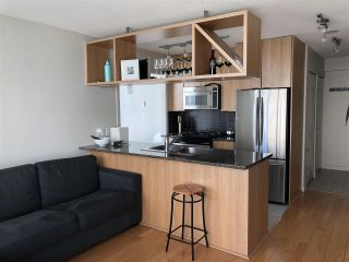 """Photo 4: 1403 1001 RICHARDS Street in Vancouver: Downtown VW Condo for sale in """"MIRO"""" (Vancouver West)  : MLS®# R2361718"""