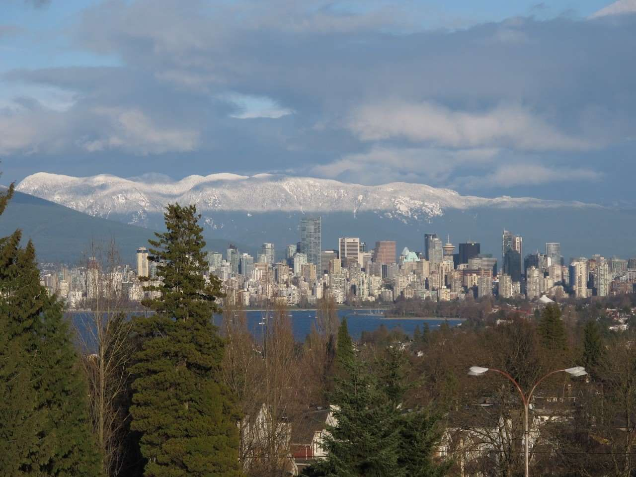 Main Photo: 502 2580 TOLMIE STREET in Vancouver: Point Grey Condo for sale (Vancouver West)  : MLS®# R2334008