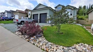 """Photo 2: 7645 GRAYSHELL Road in Prince George: St. Lawrence Heights House for sale in """"ST LAWRENCE HEIGHTS"""" (PG City South (Zone 74))  : MLS®# R2392835"""