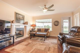 Photo 5: 611 Lowry's Rd in : PQ French Creek House for sale (Parksville/Qualicum)  : MLS®# 860767