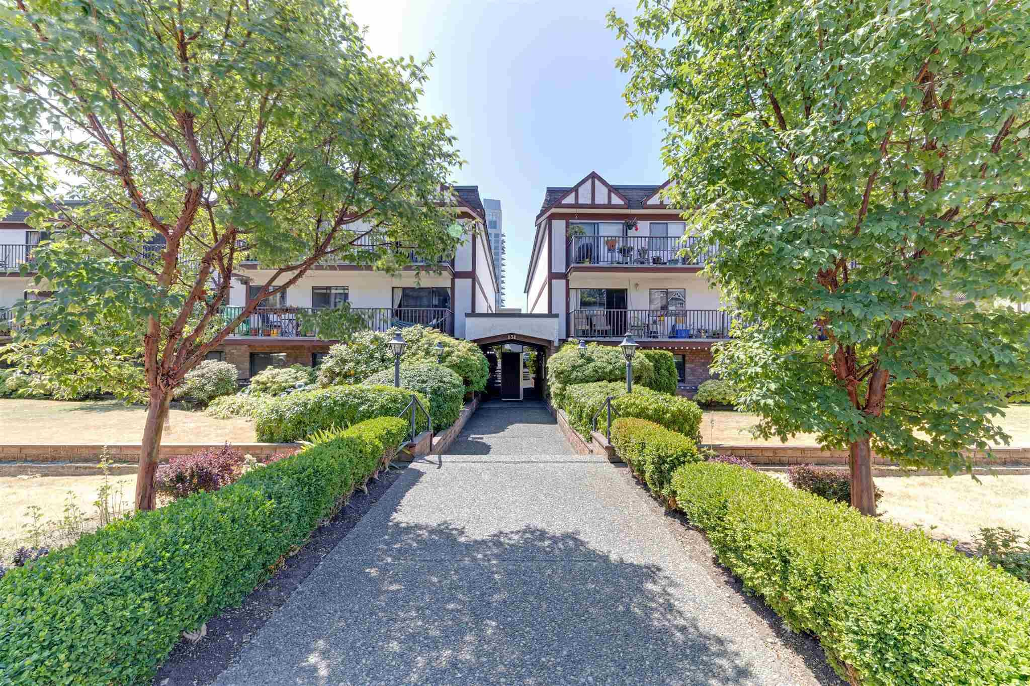 """Main Photo: 107 131 W 4TH Street in North Vancouver: Lower Lonsdale Condo for sale in """"Nottingham Place"""" : MLS®# R2605693"""