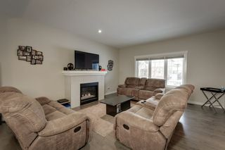 Photo 8: 5208 ADMIRAL WALTER HOSE Street in Edmonton: Zone 27 House for sale : MLS®# E4226677