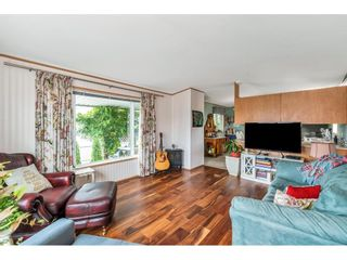 """Photo 8: 38 15875 20 Avenue in Surrey: King George Corridor Manufactured Home for sale in """"Sea Ridge Bays"""" (South Surrey White Rock)  : MLS®# R2616813"""