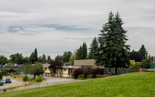 """Photo 8: 901 JACKSON Crescent in New Westminster: The Heights NW House for sale in """"Massey Heights"""" : MLS®# R2482421"""