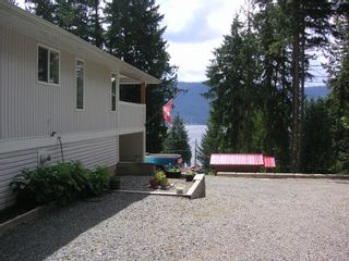Photo 3: 8682 Penwith Way in St Ives: North Shuswap House for sale (Shuswap)  : MLS®# 10162657