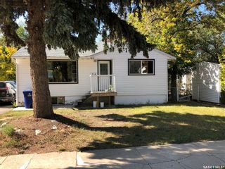 Photo 1: 318 Douglass Street in Outlook: Residential for sale : MLS®# SK827510