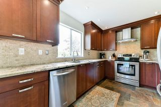 "Photo 7: 21568 86A Crescent in Langley: Walnut Grove House for sale in ""Forest Hills"" : MLS®# R2276258"