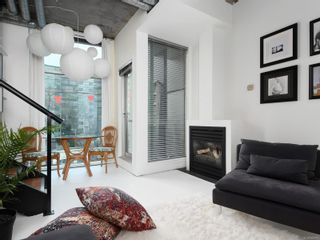 Photo 5: 311 1061 Fort St in : Vi Downtown Condo for sale (Victoria)  : MLS®# 866095