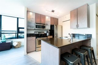 """Photo 7: 2802 909 MAINLAND Street in Vancouver: Yaletown Condo for sale in """"Yaletown Park II"""" (Vancouver West)  : MLS®# R2505728"""