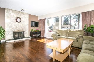 Photo 2:  in Coquitlam: Central Coquitlam House for sale : MLS®# R2050140