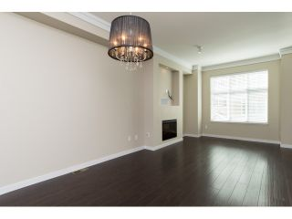 Photo 3: 66 3009 156 STREET in Surrey: Grandview Surrey Townhouse for sale (South Surrey White Rock)  : MLS®# R2056660