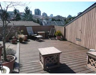 "Photo 3: 1083 SCANTLINGS BB in Vancouver: False Creek Townhouse for sale in ""MARINE MEWS"" (Vancouver West)  : MLS®# V759244"