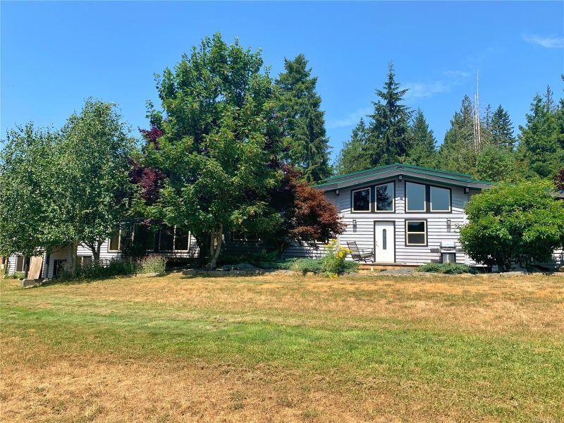FEATURED LISTING: 745 South Rd