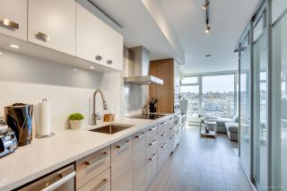 """Photo 4: 611 1783 MANITOBA Street in Vancouver: False Creek Condo for sale in """"The Residences at West"""" (Vancouver West)  : MLS®# R2155834"""