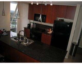 Photo 5: # 2402 7178 COLLIER ST in Burnaby: Condo for sale : MLS®# V785475