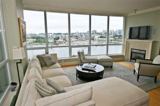"Photo 4: 905 1328 MARINASIDE Crescent in Vancouver: Yaletown Condo for sale in ""THE CONCORD"" (Vancouver West)  : MLS®# R2134660"