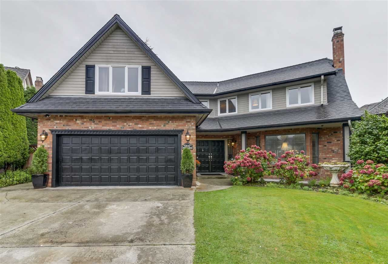 """Main Photo: 6846 WHITEOAK Drive in Richmond: Woodwards House for sale in """"WOODWARDS"""" : MLS®# R2131697"""