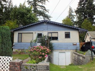 Photo 2: 561 COMMISSION Street in Hope: Hope Center House for sale : MLS®# R2616815