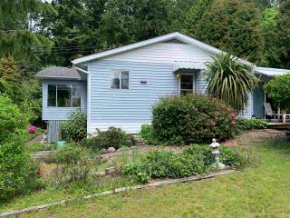 Photo 2: 5353 SELMA PARK ROAD in Sechelt: Sechelt District House for sale (Sunshine Coast)  : MLS®# R2372795