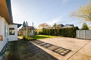 """Photo 17: 7851 SUNNYHOLME Crescent in Richmond: Broadmoor House for sale in """"SUNNYMEDE"""" : MLS®# R2158185"""