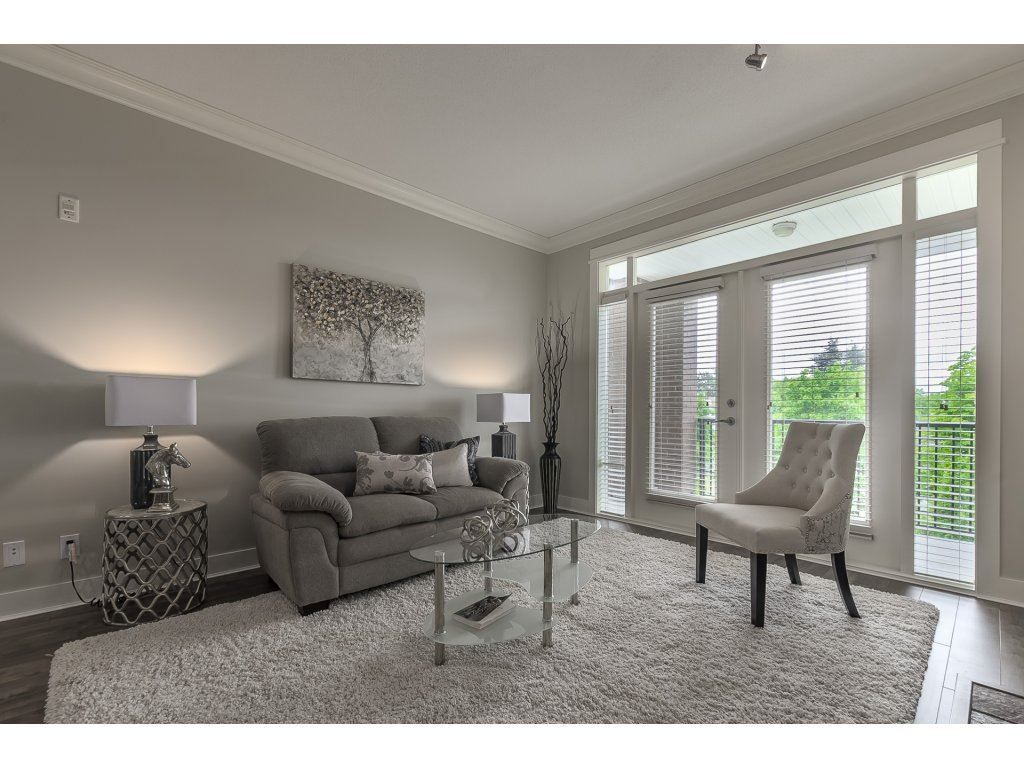 """Photo 11: Photos: 318 5430 201 Street in Langley: Langley City Condo for sale in """"The Sonnet"""" : MLS®# R2282213"""
