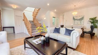 Photo 2: 2633 KITCHENER Street in Vancouver: Renfrew VE House for sale (Vancouver East)  : MLS®# R2595654